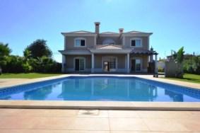 Algarve                Villa                 til salgs                 Quarteira,                 Loulé