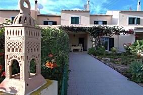 Algarve                 Townhouse                 for sale                 Armação de Pera,                 Silves