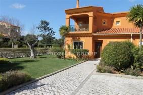 Algarve                 Townhouse                 for sale                 Boavista Golf,                 Lagos