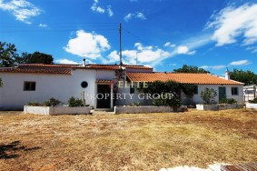 Algarve                 Farmhouse                 for sale                 Mexilhoeira Grande,                 Lagos