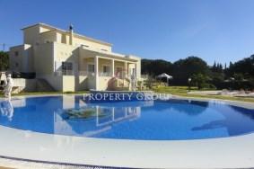 Algarve                 Chalet                  en venta                  Salicos,                  Lagoa
