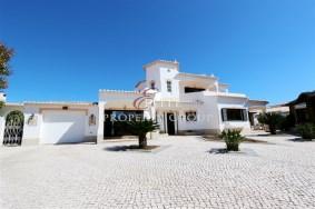 Algarve                Maison                 à vendre                 Praia da Luz,                 Lagos
