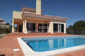 Algarve                Villa                 for sale                 Vale Formoso,                 Loulé