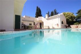 Algarve                 Villa                 for sale                 Alcantarilha,                 Silves