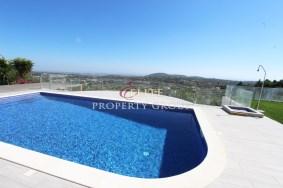 Algarve                 Villa                 for sale                 Central Algarve,                 Faro