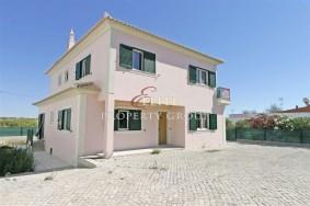 Algarve                 Villa                  till salu                  Fuseta,                  Olhão