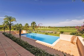 Algarve                 Einfamilienhaus                  zu verkaufen                  Central Algarve,                  Silves