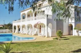 Algarve                 casa de huéspedes                 en venta                 Central Algarve,                 Loulé