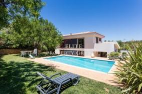 Algarve                 Villa                 for sale                 Tavageira,                 Albufeira