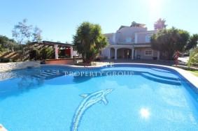 Algarve                 Chalet                 en venta                 Santa Barbara Nexe,                 Loulé