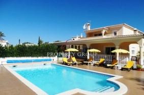 Algarve                 Chalet                 en venta                 Carvoeiro,                 Lagoa