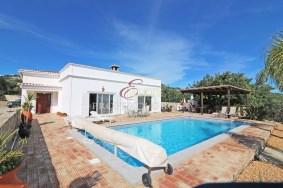 Algarve                Villa                 till salu                 Santa Barbara Nexe,                 Faro