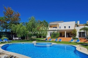 Algarve                 Chalet                 en venta                 Porches,                 Lagoa