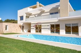 Algarve                 Einfamilienhaus                  zu verkaufen                  Armação de Pera,                  Silves