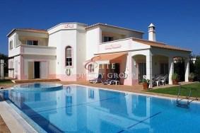 Algarve                 Chalet                  en venta                  Gramacho,                  Lagoa