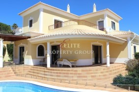 Algarve                 Maison                  à vendre                  Albardeira,                  Lagos