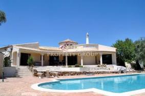 Algarve                 Moradia                  para venda                  Alte,                  Loulé