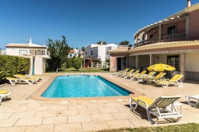 Algarve                 Guesthouse / B + B                  à vendre                  Albufeira,                  Albufeira