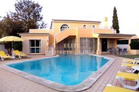 Algarve                 Chalet                 en venta                 Olhos de Agua,                 Albufeira