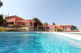 Algarve                Villa                 till salu                 Falfeira,                 Lagos