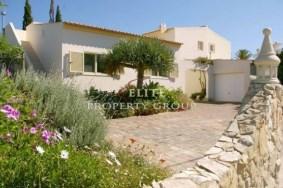 Algarve                 Villa                  for sale                  Central Algarve,                  Albufeira