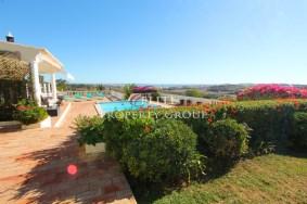 Algarve                 Chalet                 en venta                 Funchal Ridge,                 Lagos