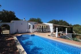 Algarve                 Maison                  à vendre                  São Brás de Alportel,                  Loulé