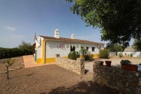 Algarve                Maison                 à vendre                 Santa Bárbara de Nexe,                 Loulé