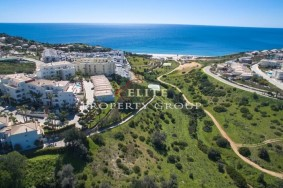 Algarve                 Участок земли                  для продажи                  Porto de Mós,                  Lagos