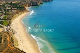 Algarve                 Grundstück                   zu verkaufen                  Porto de Mós,                  Lagos