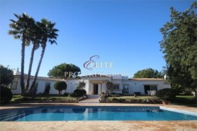 Algarve                Maison                 à vendre                 Boliqueime,                 Loulé