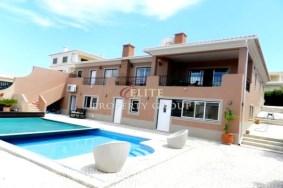 Algarve                 Villa                  for sale                  Boavista,                  Lagos