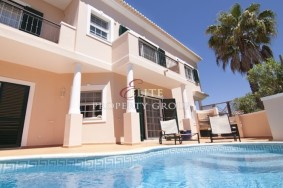 Algarve                 Piso                  en venta                  Vale do Lobo,                  Loulé