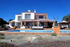 Algarve                 Villa                 for sale                 Bordeira,                 Loulé
