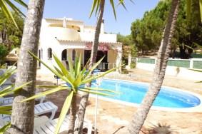 Algarve                 Moradia                  para venda                  Vale do Garrão,                  Loulé