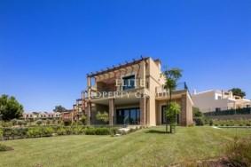 Algarve                 Stadthaus                  zu verkaufen                  Vale de Milho,                  Faro