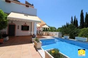Algarve                 Einfamilienhaus                  zu verkaufen                  Estoi,                  Albufeira