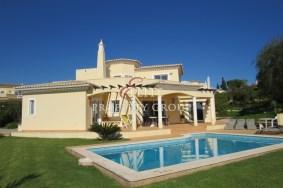 Algarve                 Villa                  for sale                  Carvoeiro, Presa da Moura,                  Lagoa