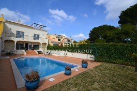 Algarve                 Townhouse                  à vendre                  Vilamoura,                  Loulé