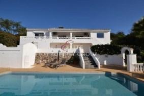 Algarve                 Einfamilienhaus                  zu verkaufen                  Bolqueime,                  Loulé
