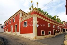 Algarve                 Einfamilienhaus                  zu verkaufen                  Estombar,                  Lagoa