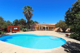 Algarve                 Moradia                  para venda                  Carvoeiro,                  Lagoa
