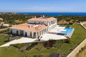 Algarve                 Einfamilienhaus                  zu verkaufen                  Carvoeiro,                  Lagoa