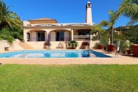 Algarve                 Villa                  till salu                  Estói,                  Faro