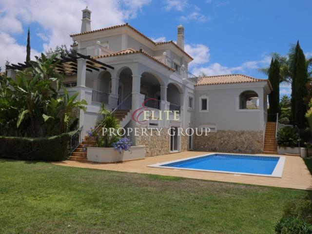Luxury villa close to amenities and attractions