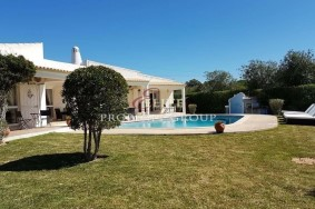 Algarve                 Maison                  à vendre                  Near Quinta do Lago,                  Loulé