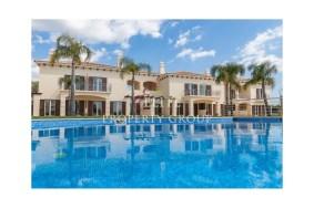 Algarve                  Apartment                  for sale                  Albufeia,                  Albufeira