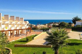 Algarve                 Таунхаус                  для продажи                  Albufeira,                  Albufeira