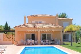 Algarve                 Einfamilienhaus                  zu verkaufen                  Carvoeiro, Gramacho,                  Lagoa