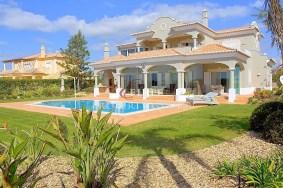 Algarve                 Villa                  till salu                  Carvoeiro, Gramacho,                  Lagoa